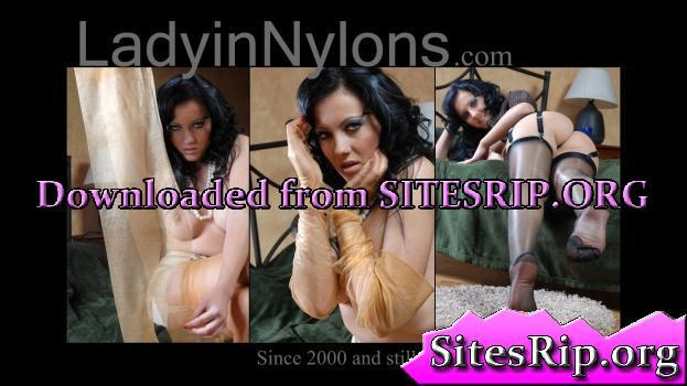 LadyInNylons – SITERIP