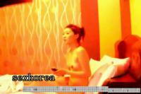 【預計11月29日08時下載地址生效】韩国年轻情侣酒店翻云覆雨 三十六式七十二招尽显床上各种体位 搞到欢脱 四十分钟超长